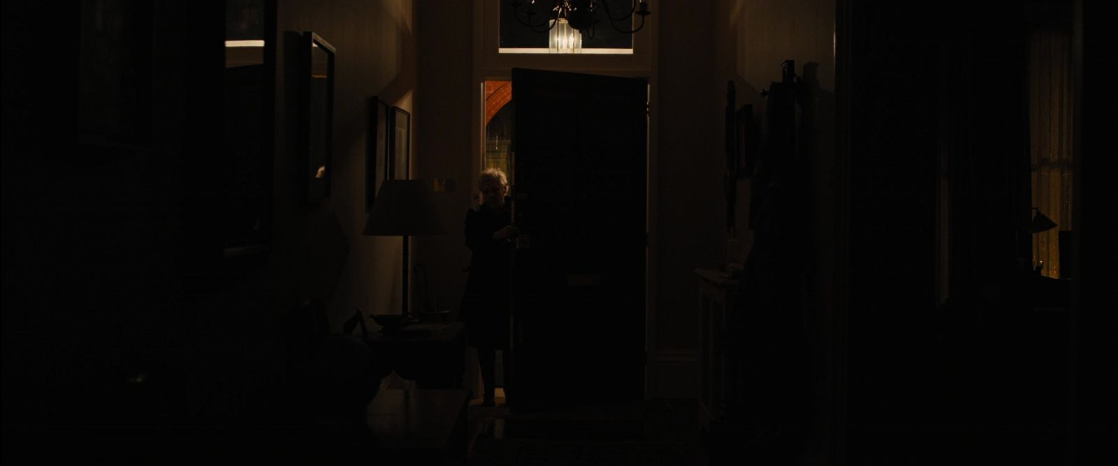skyfall m s apartments lighting roger a deakins